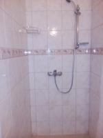 dvoulůžkový pokoj B2 koupelna , srcha